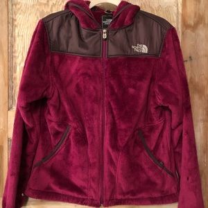 Womens berry colored northface jacket in Euc large